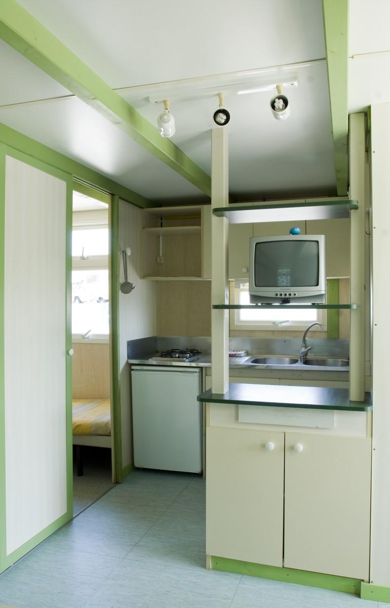 Casitas de madera 4 y 5 personas en oliva valencia cocina americana con nevera cuarto de - Televisor para cocina ...