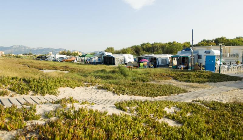 Playa de oliva camping junto a la playa - Camping en oliva con piscina ...